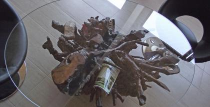 Nábytok zo skla a dreva - okrúhly stôl