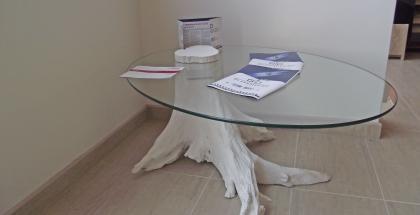 Nábytok zo skla a dreva - stôl elipsa