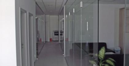 Interiérové sklenené priečky