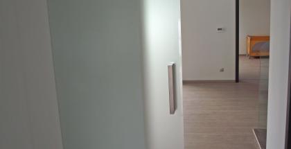 skleněné posuvné dvere do pouzdra